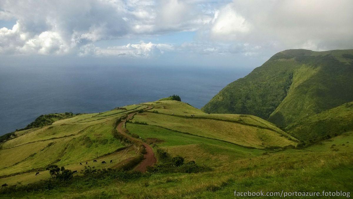 Valahol délen, ám a Pico éppen felhők közé bújva